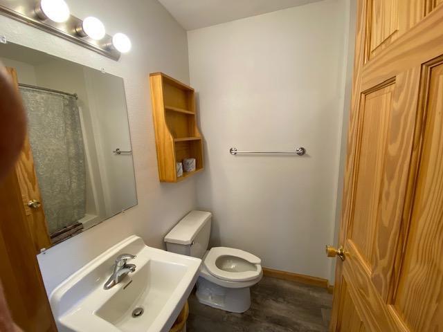 10B-downstairs-bath