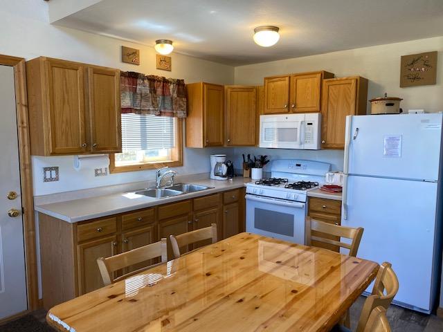 10B-kitchen_dining
