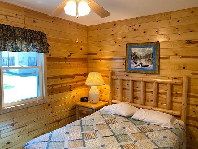 5-queen-bedroom